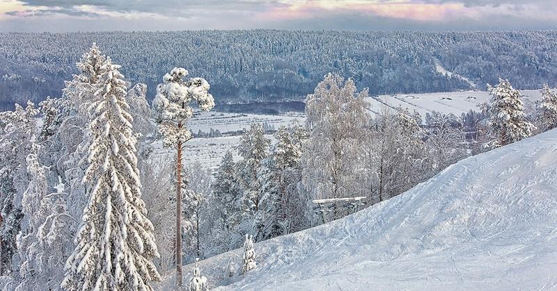 """Горнолыжный курорт """"Снежный"""" в Коробицино рядом с Спб: отзывы, трассы, проживание"""