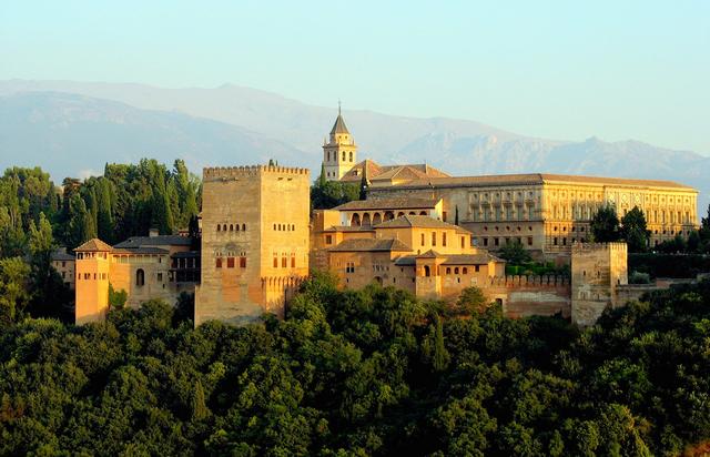 Крепость Альгамбра в Гранаде