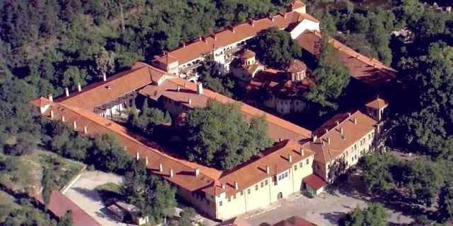 Бачковский монастырь в Болгарии, достопримечательности Пампорово