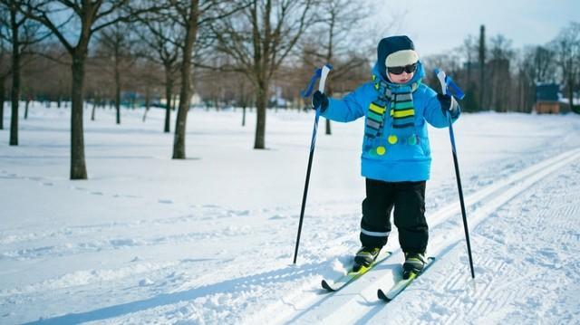 Как выбрать беговые лыжи ребенку