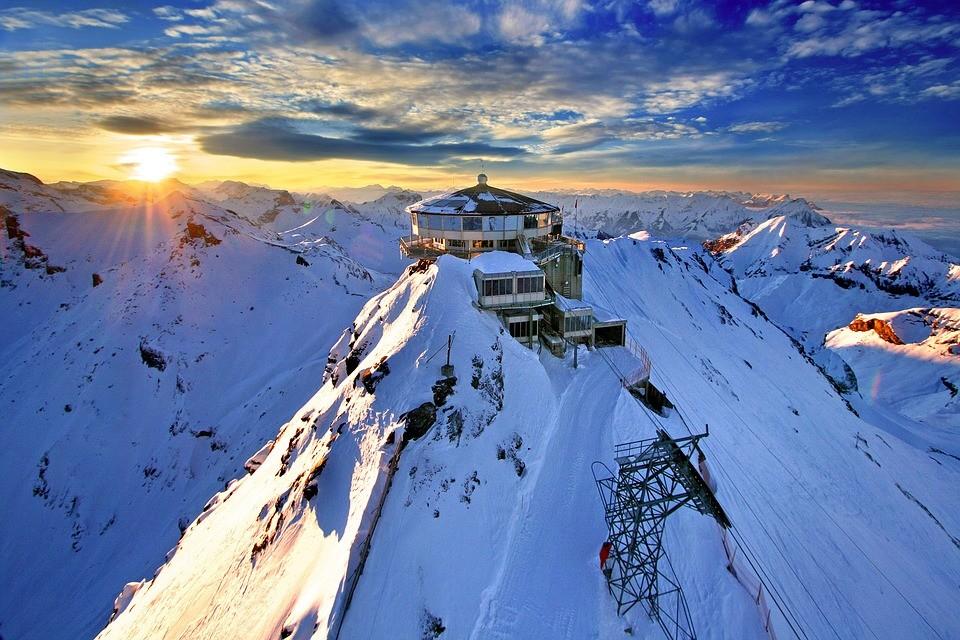Подъем на вершинуШильторн, Швейцария