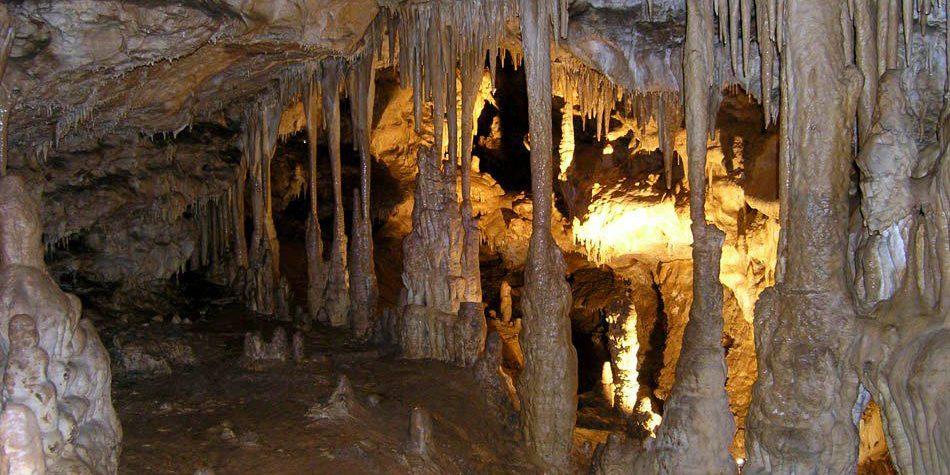 Пещера Красивая в Лагонаки