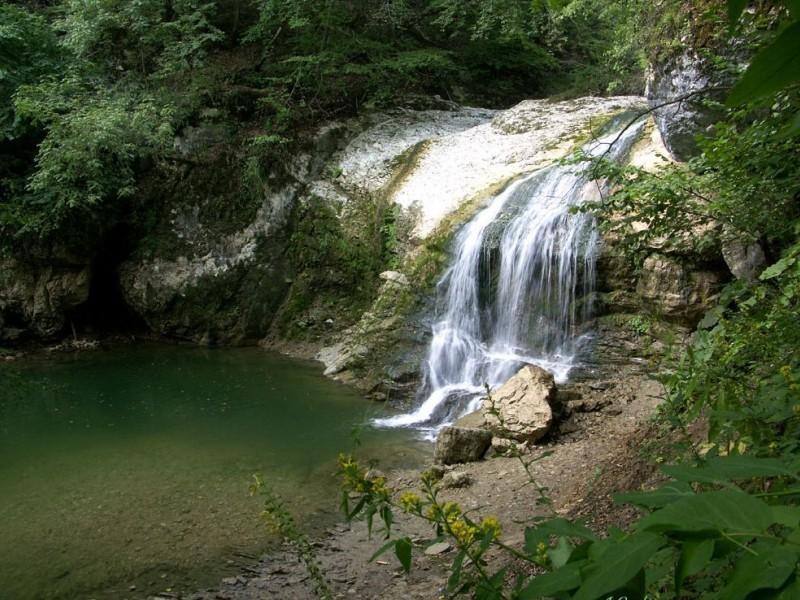 """Водопады Руфабго: водопад """"Каскадный"""""""