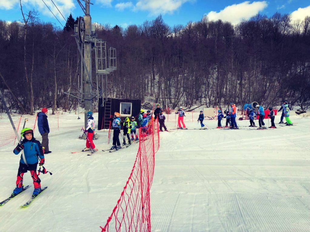 """Почему отдыхают на """"Черневской горке"""" в Красногорске - горнолыжный курорт европейского уровня рядом с Москвой"""