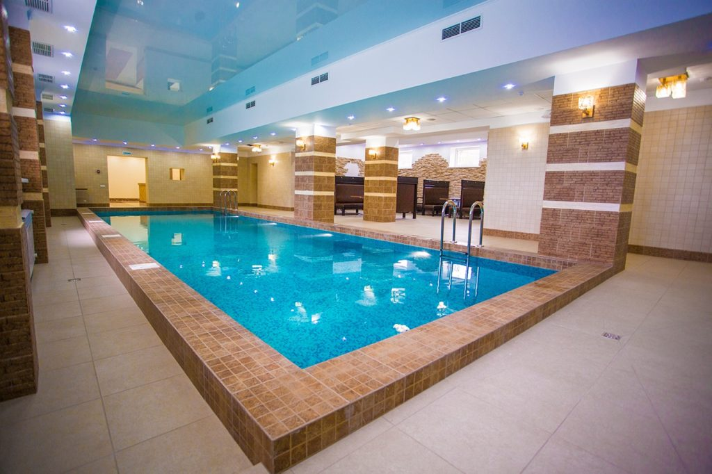 бассейн в отеле Вишневая гора, Саратов - цена